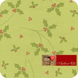 Simply Christmas Green Holly 8126-66