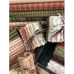 Henry Glass Tickled Pink by Janet Rae Nesbitt Bundle 25 FAT QUARTERS (Tramadas y estampadas)